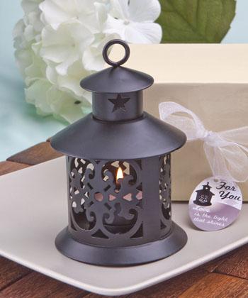 Fabulous metal lantern favor-Fabulous black metal lantern favor, lanterns, favor favor, white lanterns, favors, candles for a wedding, wedding lanterns