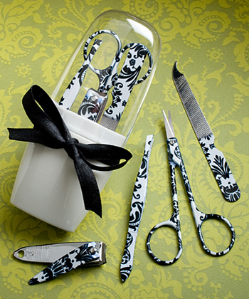 Pretty Damask Design Manicure Sets-Pretty Damask Design Manicure Sets